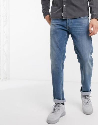 Replay Grover straight fit jeans in mid wash-Blue